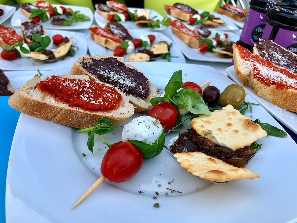 Startup Catering: O-live The/Nature