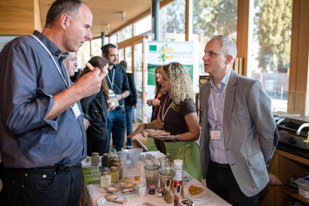 Kooperation über die Grenze: Waffeln aus Lupinenmehl vom Biolandhof Kelly aus Deutschland mit nachhaltigem Zuckerersatzstoff von Legria aus der Schweiz
