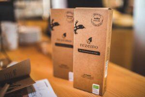 Bio-Kaffeekapseln aus Holz für Nespressomaschinen von rezemo