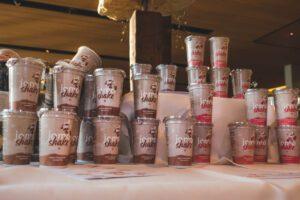 Jomo Proteingetränke mit Joghurtgeschmack von Wood & Field